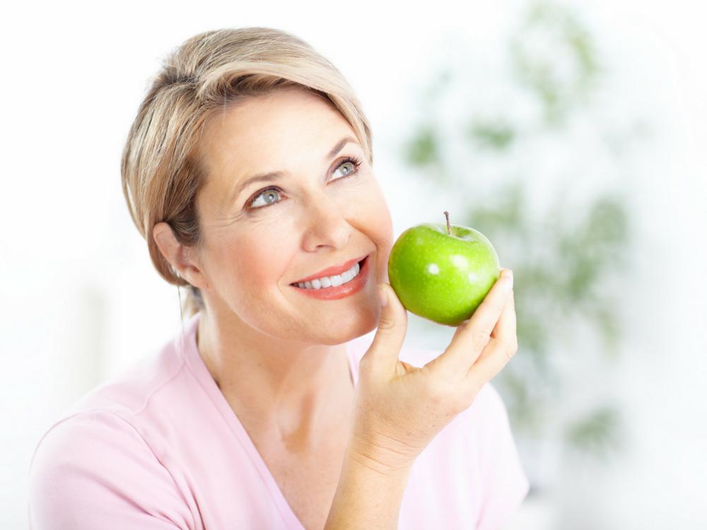 Reduza os efeitos da menopausa com os alimentos certos